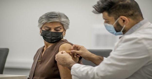 Israel ofrecerá un refuerzo de la vacuna Pfizer COVID-19 a adultos mayores de 60 años, según un informe