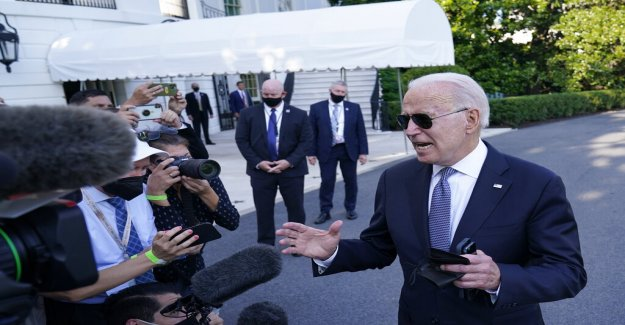 Biden dice que los estadounidenses deberían esperar más restricciones de COVID