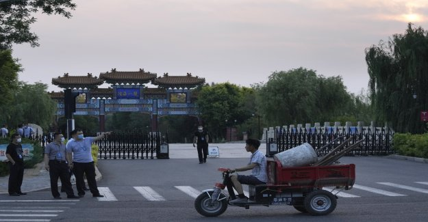 China ha puesto a millones bajo bloqueo mientras la nación enfrenta el mayor brote del coronavirus en meses