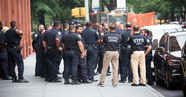 De Blasio refuerza el 'derribo de pandillas' de la policía de la ciudad de Nueva York, a medida que aumenta la violencia armada en toda la ciudad