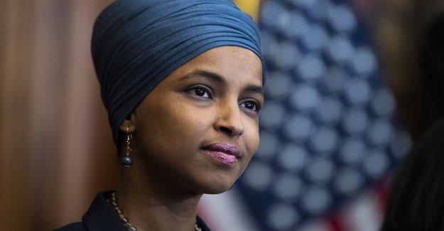 Ilhan Omar respalda el 'ingreso garantizado', lanza facturas para enviar cheques mensuales de 1 1,200 a la mayoría de los estadounidenses