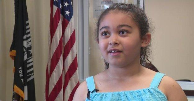 niña de 7 años ayuda a recaudar dinero para veteranos sin hogar: 'Ayuda a casa primero'