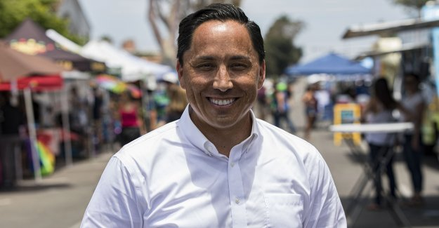 Protesta en San Diego frente a la casa del alcalde ve incidente de disparos; sospechoso arrestado