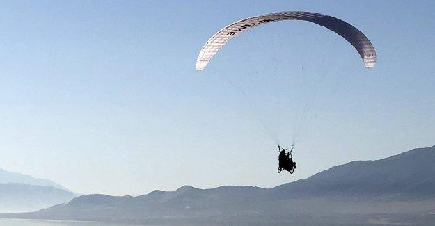 Sin fines de lucro con sede en Utah lleva a las personas a nuevas alturas con el programa de parapente adaptativo