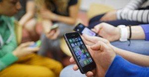 El 84% de los menores de 14 años se matriculó en la social, con una edad falsa. Y nunca habla con la mamá y el papá