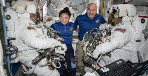 Estocolmo llama a la Estación espacial, el ganador del premio Nobel de la entrevista con Parmitano y Meyer