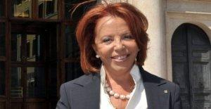 Lella Golfo: Feliz, pero el cambio es demasiado lento. Las mujeres en la parte superior debe ayudar a otras mujeres