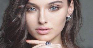 Miss Ucrania la queja de Miss Mundo : Eliminado porque, divorciado y con un hijo.
