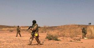 Níger, el asalto de los yihadistas: mató a 72 soldados, borra la cumbre con Francia