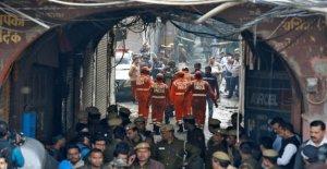 Nueva Delhi, un incendio en una fábrica mata a al menos 43 personas
