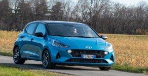 El nuevo Hyundai i10 ciudad-coche con un pedigrí - Video