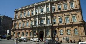 La crisis de la Universidad para extranjeros de Perugia, entre los presupuestos en la red, y las investigaciones de Finanzas