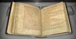 La que nos dice que el Adn encontrado en los libros medievales