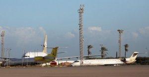 Libia: cohetes contra el aeropuerto de Mitiga, un muerto y 3 heridos