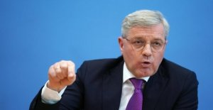 Alemania, golpeó la escena en el post Merkel: el candidato Norbert Roettgen