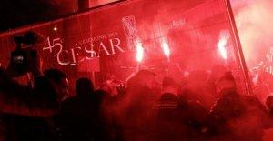 César, París triunfos de Polanski, entre las protestas de las feministas: el director ha abandonado la ceremonia