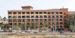 Coronavirus, dos positivos italianos en Tenerife. Un millar de personas en el hotel en cuarentena