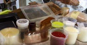 El embalaje es compostable, que cambia de color cuando la comida no es buena