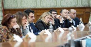 Gobierno, Iv participa en la tabla en la escuela. Bellanova: Pd aplanado en el populismo M5s. Petanca: Si Renzi es Penélope, la Pretendientes y no nosotros