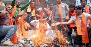 La India, que alaba el asesino de Gandhi: la propagación de los efectos de los nacionalistas hindúes Maneras