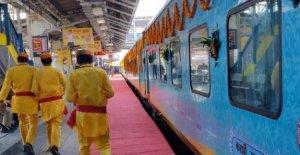 La India, un lugar reservado para el dios Shiva en la inauguración del tren de Varanasi-Indore