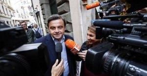 Regional de Puglia, Calenda aliado con Renzi en contra de la Dp: Ocupado es cien veces mejor que la de Emiliano