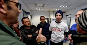 Sardinas, Santori con los trabajadores de la bañera de Hidromasaje: en la región? Aquí anticuerpos como en la región de Emilia, Salvini no es un huésped bienvenido