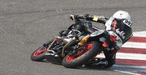 Trofeo de Moto Guzzi Rápido de la Resistencia, todos en la silla de montar