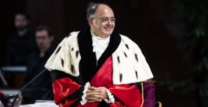 Y el rector de la universidad la Sapienza lanza la alarma: El Estado de devolución de la financiación de las universidades o collassiamo