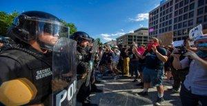 Al menos 60 Secreto de los miembros del Servicio heridos durante George Floyd protestas en DC
