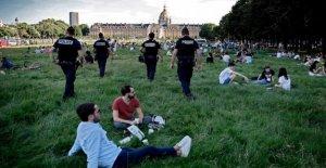 'Batman ambiente': Misterioso de bloqueo del selector de abre los parques de París en la noche