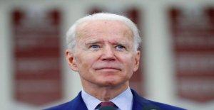 Biden apoyo entre los Demócratas Universitarios se desliza en medio de Tara Reade reclamaciones