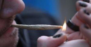 'Bloqueo de aburrimiento me llevó a fumar más de malezas'