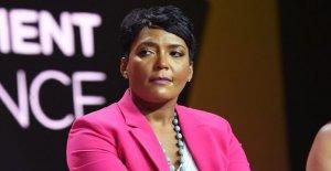 El alcalde de Atlanta, insta a George Floyd manifestantes a hacerse la prueba del coronavirus