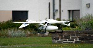 En medio de coronavirus de batalla, aviones no tripulados se entregan kits de prueba y equipo de protección para la isla de personal médico