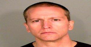Esposa de ex-Minneapolis cop Derek Chauvin según los informes, la presentación de divorcio