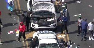 Filadelfia se enfrenta a los saqueos, los coches de la policía saqueó como Trump demandas de 'Law & Order' en medio de George Floyd disturbios