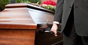 Funeral de distanciamiento infracciones 'a través de las comunidades