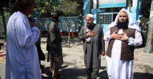 Gobierno afgano libera a cientos de prisioneros Talibanes