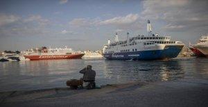 Grecia vuelve a abrir restaurantes, vuelve a la isla en ferry de servicio, coronavirus siguiente cierres