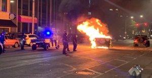 Indianapolis disturbios dejan 3 muertos después de múltiples disparos' ha notificado el centro de la ciudad, los edificios dañados