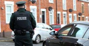 La muerte del hombre en Belfast 'tratado como sospechoso'