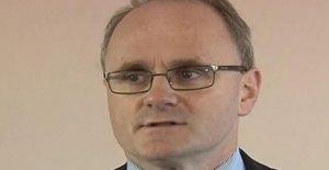 McElduff defiende a cabo más de distanciamiento social
