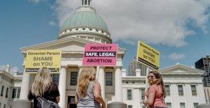 Missouri sólo Planned Parenthood permanecerá abierta después de que el comisionado de la decisión de