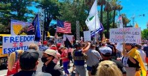 Newsom directrices dicen que los Californianos pueden protesta -- bajo estas restricciones