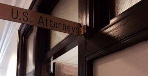Nueva Jersey ex convicto acusado de posesión de más de 30 armas