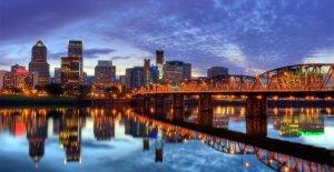 Portland alcalde declara el estado de emergencia en respuesta a los disturbios, saqueos