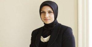 Primera hiyab-el uso de reino unido juez de la corte a 'trailblaze'
