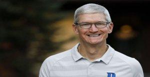 Apple Tim Cook dice que la empresa debe hacer más para combatir el racismo