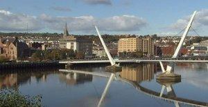 El trabajo comienza en Derry medidas de distanciamiento social